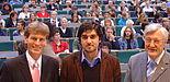 Foto (v. li.): Uni-Rektor Prof. Dr. Nikolaus Risch, der neue AStA-Vorsitzende Ishaq Nasserry und Bürgermeister Heinz Paus begrüßten die Erstsemester an der Universität Paderborn