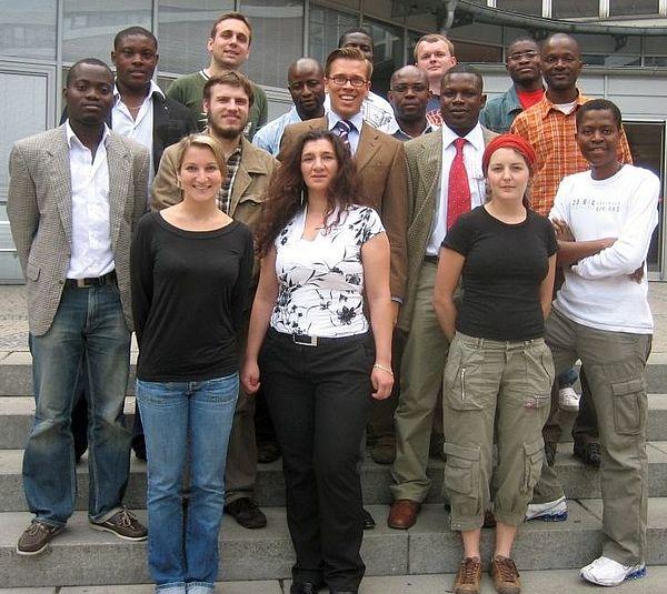 Foto (Universität Paderborn): Die Vereinsmitglieder des Afrikanisch-Deutschen Forums für Wirtschaft und Wissenschaft