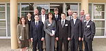 """Foto: Sie wurden im Mai 2008 als erste mit dem Label """"Unternehmensgründung aus der Universität"""" ausgezeichnet (v. li.): Dr. Elke Radeke, Viola Jonas, Stefan Jonas, Prof. Dr. Wilhelm Dangelmaier, Dr. Martin Hahn, Dr. Nicole Jeannine Lehmann, Thorsten"""