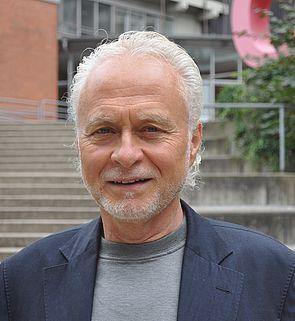 Foto (Universität Paderborn): Prof. Dr. Hans-Joachim Warnecke, Hochschulbeauftragter für das Studium für Ältere.
