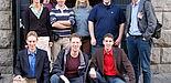 Foto: Freut sich über die finanzielle Unterstützung: die Arbeitsgruppe Festkörpertheorie an der Universität Paderborn mit Dr. Eva Rauls (2. v. l.) und Prof. Wolf Gero Schmidt (r.).