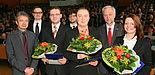 Foto (Universität Paderborn, Patrick Kleibold): Preise für ausgezeichnete Dissertationen: Prof. Dr. Bernd Frick (v. l.), Dr. Christian Gerth, Dr. Artjom Döring, Dr. Christoph Singer, Dr.-Ing. Alexander Krüger, Prof. Dr. Wilhelm Schäfer und Veronika H