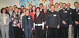 Foto: Uni-Rektor Prof. Dr. Nikolaus Risch und Kanzler Jürgen Plato begrüßten im großen Sitzungssaal die neuberufenen Professorinnen und Professoren: 19 der insgesamt 38 Neuberufenen aus den Jahren 2004 bis 2006 waren anwesend. (v.li.): Rebecca Grotjah