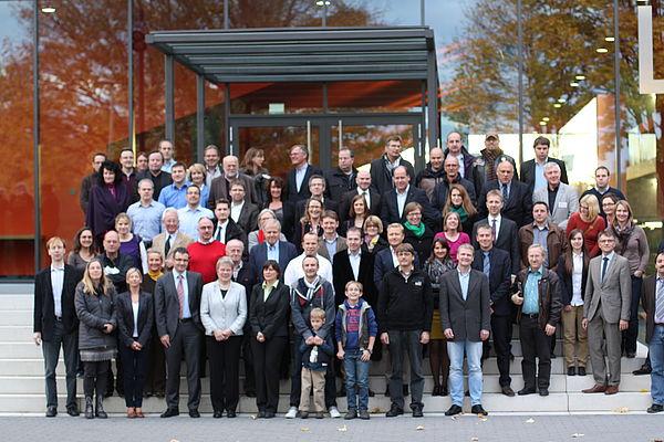Foto (Universität Paderborn): Ehemalige der Wirtschaftswissenschaften trafen sich am letzten Oktoberwochenende in der Uni Paderborn.