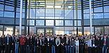Foto (Universität Paderborn): Paderborner Studierende der Fakultät für Wirtschaftswissenschaften erhalten praktische Einblicke bei der IHK mit Jürgen Behlke (Leiter und Geschäftsführer der Paderborner Zweigstelle der IHK) und Michael Bünermann (Per