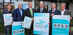 Foto (Universität Paderborn, Johannes Pauly): (v. l.) Gerrit Sonnenrein, Bernd Tiemann, Dr. Heinrich Dornbusch, Prof. Dr.-Ing. Joachim Böcker, Prof. Dr.-Ing. Dr. Eugeny Kenig und Prof. Dr.-Ing. Jadran Vrabec.