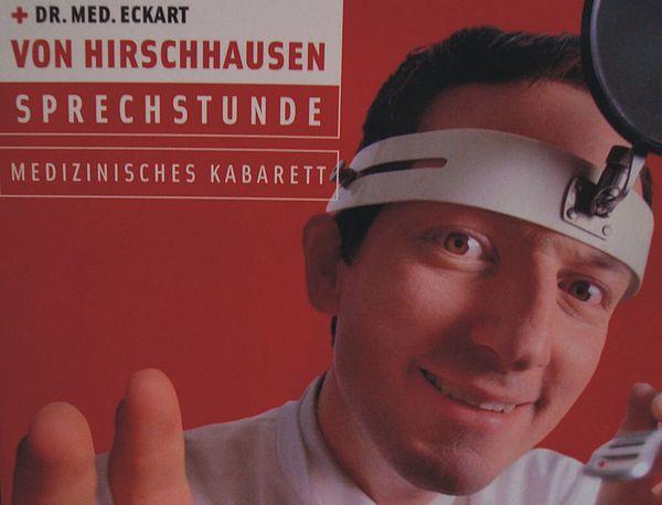"""Foto: Dr. Eckart von Hirschhausen will mit seinem Galaprogramm """"Fragen Sie Ihren Arzt oder Apotheker"""" die Lachmuskeln des Publikums strapazieren."""