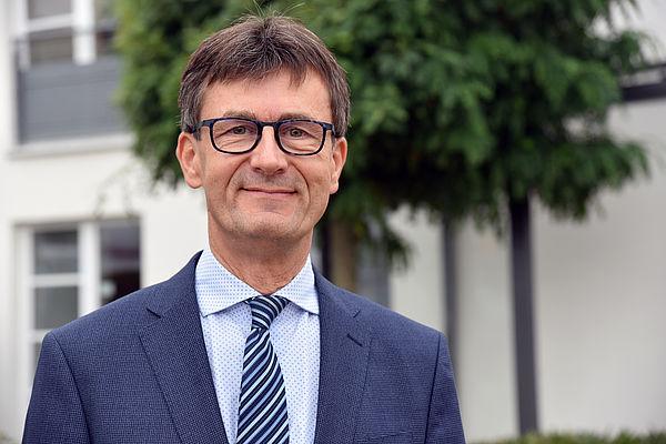 Foto (Studierendenwerk Paderborn): Geschäftsführer Carsten Walter.