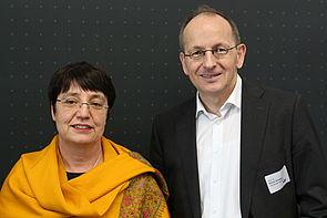 Foto (Universität Paderborn, Nina Reckendorf): Prof. Dr. Birgit Riegraf und Prof. Dr. Niclas Schaper.