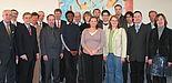 Foto (v. li.): Dr. Ulrich Bittihn (Vorstandsvorsitzender, Volksbank Paderborn-Höxter), Hans Laven (Vorstandsvorsitzender, Sparkasse Paderborn), Horst Selbach (Vorstandsvorsitzender, Sparkasse Lemgo), Dr. Susanne Schweidtmann (Personalchefin und Prokurist