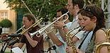 """Foto: """"Feedback"""", eine seit 2001 bestehende Band der Universität Paderborn, deren 16 Mitglieder Studentinnen und Studenten sind, legt besonderen Wert auf die stiltypische Interpretation der Stücke."""