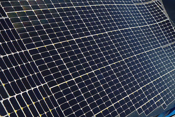 Foto (Steve Rainwater, flickr; Link: https://creativecommons.org/licenses/by-sa/2.0/): Solarzellen für die Energiegewinnung.