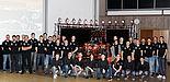 Foto (Universität Paderborn, Ricarda Michels): Das UPBracing Team ist stolz auf den elften gefertigten Rennboliden.
