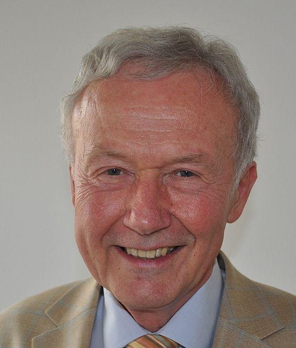 Foto (Universität Paderborn): Prof. Dr. Dr. h. c. mult. Karl-Heinz Indlekofer