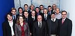 Foto (Universität Paderborn, Matthias Groppe): (v. l. n. r.) Die Forscherinnen und Forscher des neuen SFB an der Universität Paderborn: (1. Reihe)  Dr. Gerhard Berth, Prof. Dr. Christine Silberhorn, Prof. Dr. Siegmund Greulich-Weber, Prof. Dr. Donat As,