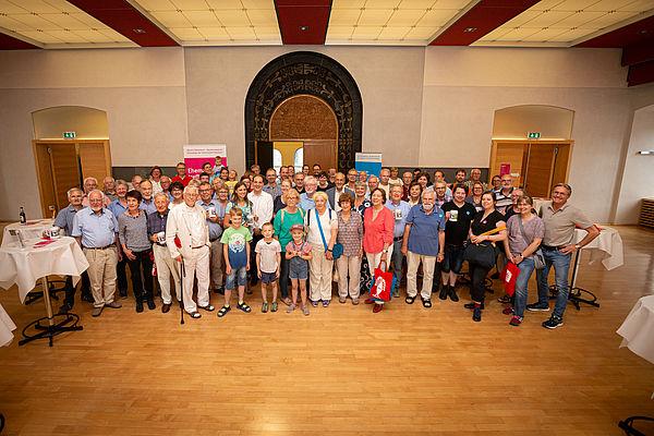 Foto (Universität Paderborn, David Gense): Wiedersehen auf Libori: Am 2. August 2019 um 17 Uhr hat das neunte Ehemaligen-Treffen der UPB im Rathaus stattgefunden.