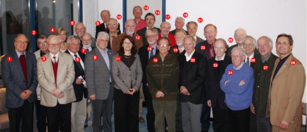 Foto: Erstes Emeriti-Treffen der Universität Paderborn am 4.11.2008 im Jenny-Aloni-Gästehaus (v. li.): Prof. Dr. Karl-Heinz Schmidt (1.), Prof. Dr. Karl-Heinz Kiyek (2.), Prof. Dr. Klaus Herrmann (3.), Alexandra Dickhoff (4.), Prof. Dr. Helmut Potente (