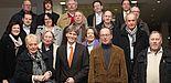 Foto (Universität Paderborn, Patrick Kleibold): Präsident Prof. Dr. Nikolaus Risch (vorn, 4. v. l.) begrüßte gemeinsam mit Christoph Schön (hinten r.) die Mitglieder des SPD-Kreisvorstands Paderborn, darunter Wolfgang Scholle (vorn, 2. v. r.), stellv