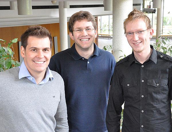 Foto (Universität Paderborn, Nadija Pejic): Ihr Spezialgebiet sind Agenten: (von links) Thomas Kemmerich, Michael Baumann und Markus Eberling.