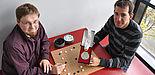 Foto (Universität Paderborn, Nadija Pejic): Lars Schäfers (li.) und Tobias Graf