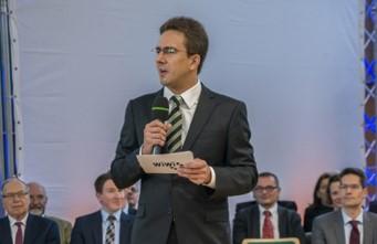 Foto (Universität Paderborn): Als ehrenamtlicher Moderator führte der 2. PHK-Vorsitzende Dr. Kostja Siefen erstmals durch die Veranstaltung.
