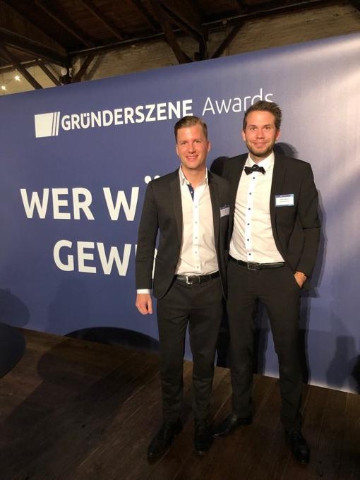 Foto: Als Wachstumssieger ausgezeichnet – StudyHelp-Gründer Carlo Oberkönig und Daniel Weiner.