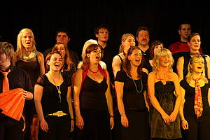 Foto: Studierende der Universität Paderborn geben ein Konzert.