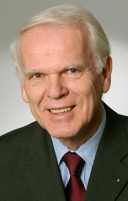 Foto (Universität Paderborn, Adelheid Rutenburges): Prof. Dr. Winfried Schulze